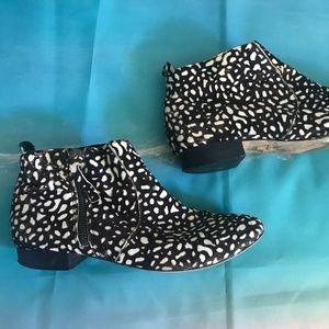 Dolce Vita Brown White Calf Hair ankle boots